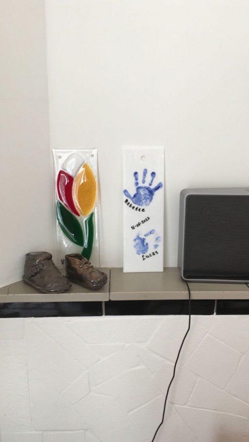 hand- of voetadruk van je kind in glas door By Vic glaskunst in Vught