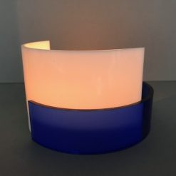 Waxinelicht van wit en blauw glas made By Vic in Vught